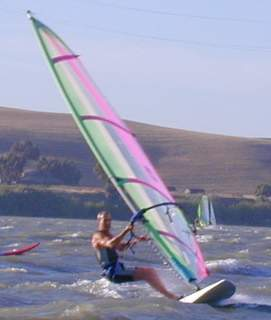 windsurfing/sailboarding